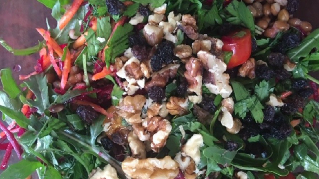 Close up image of the brown lentil rainbow salad ingredients